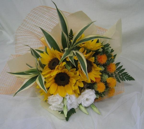 ヒマワリ花束のサムネイル